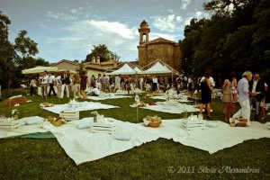 picnic_wedding_arrangement_ii_by_silvietepes-d430xh2