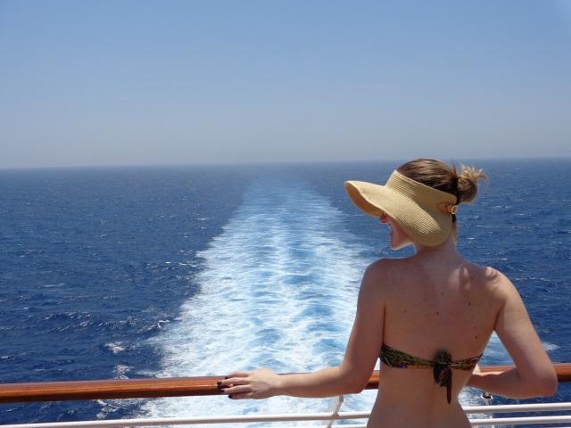 Espuma do navio no mar