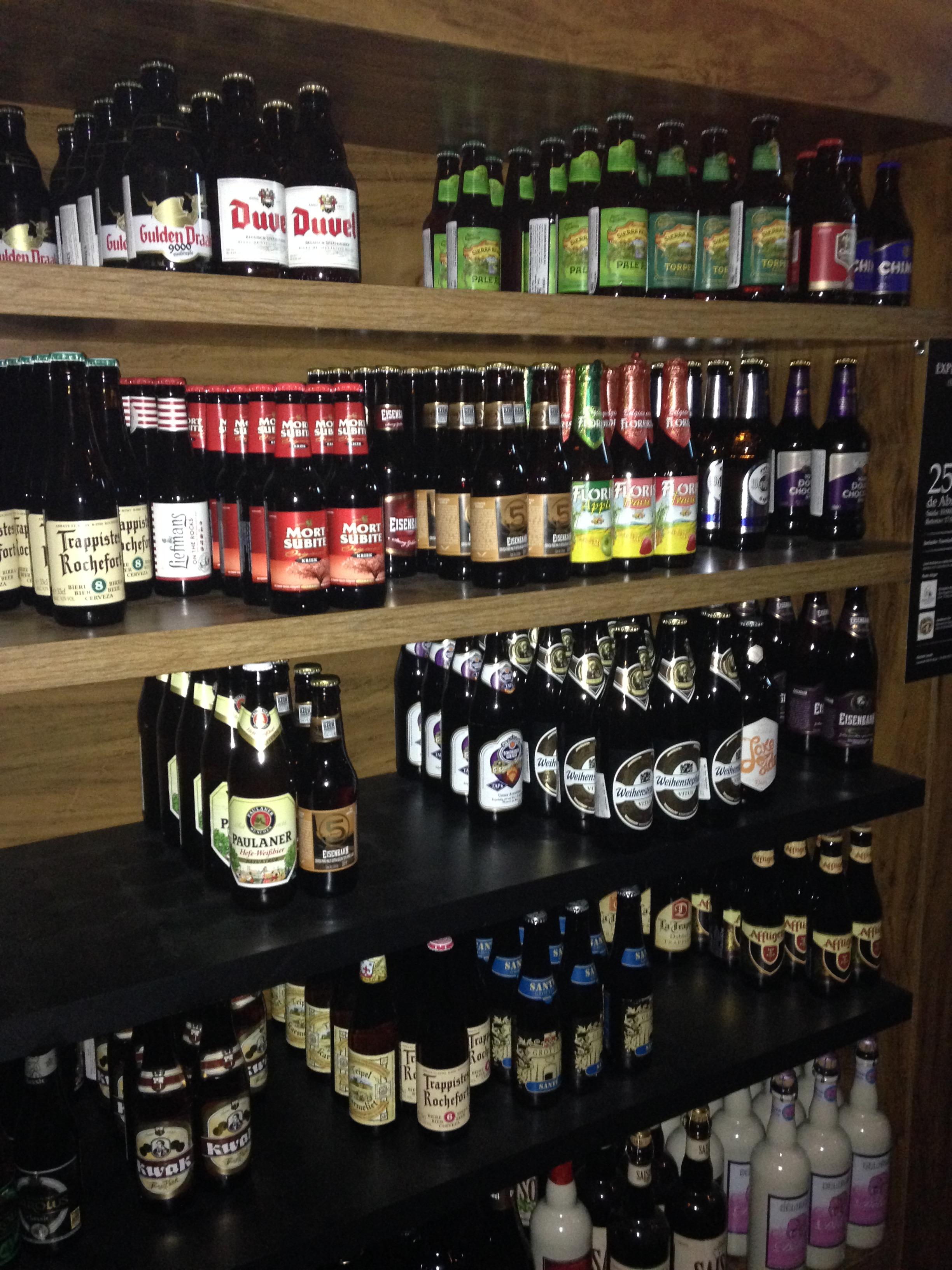 Indicação das rendeiras: Bares/Restaurantes – Bier Markt Vom Fass  #9C2F30 2448 3264