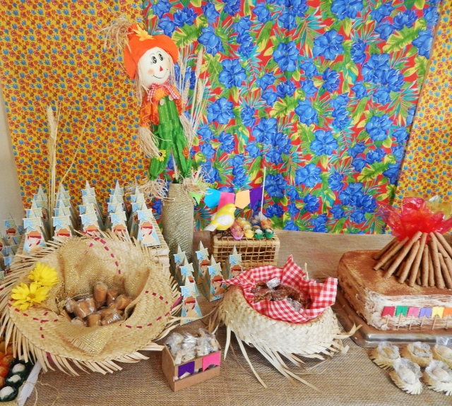 Decoraç u00e3o de Festa Junina -> Decoração Tnt Festa Junina